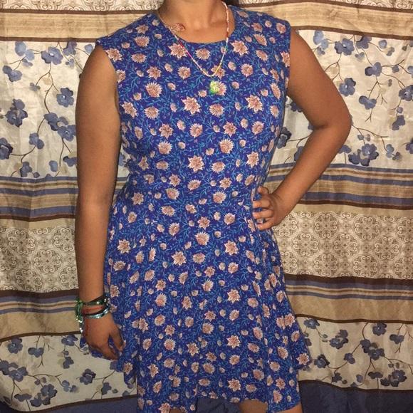 H&M Dresses & Skirts - Floral dress
